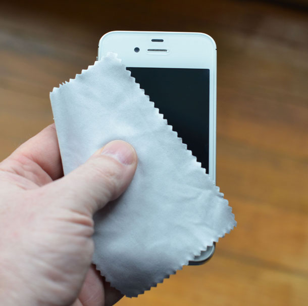 clean iPhone 5, iPhone 5 cleaning, tips for cleaning iphone 5, how to clean iphone 5, iPhone 5 cleaner, iPhone 5 wash, iPhone 5 drier (3)