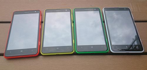 Nokia-Lumia-625-four-colors