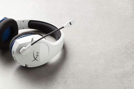 聖誕超應景!HyperX 推白色Cloud Stinger Core 無線電競耳機!