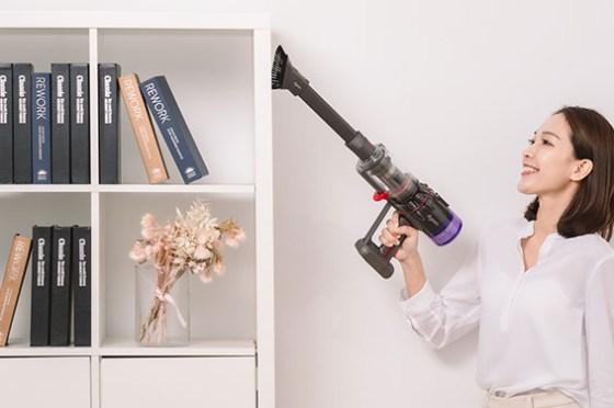 Dyson 在台發表 Omni-glide 多向吸塵器與 Micro 1.5kg 無線吸塵器,滿足疫期居家清潔需求!
