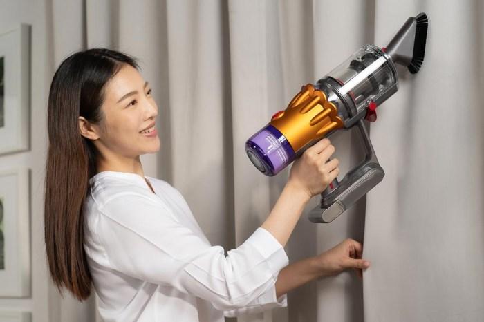 全新 Dyson V12 Detect Slim 智能輕量無線吸塵器正式登台,內建雷射偵測、聲學感應與灰塵分類統計三大科技!