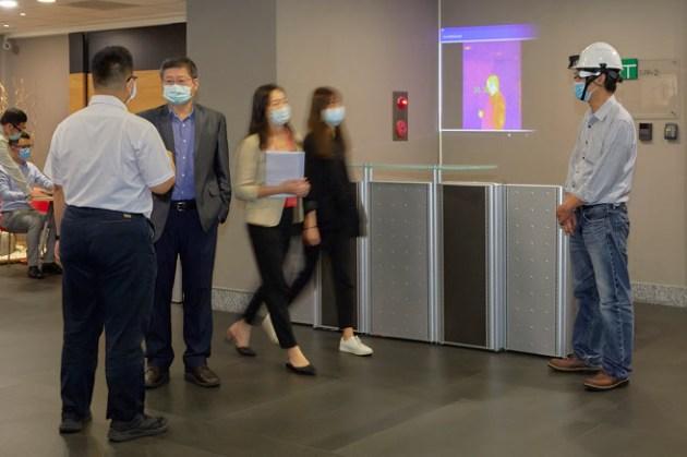 智慧眼鏡也能防疫?Epson 攜手佐臻共組「台日防疫國際隊」 ,開發智慧眼鏡即時體溫探測方案!