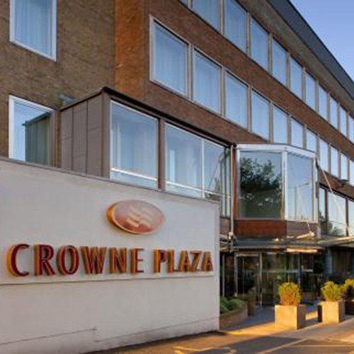 crown-plaza-ealing-exterior