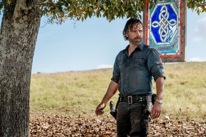 Rick-Grimes-Leaves-Walking-Dead