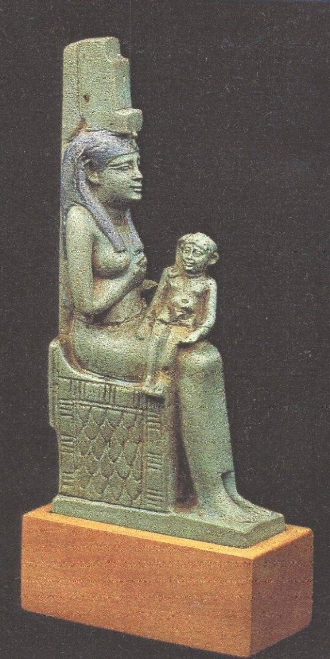 Iside e Harpocrate statua