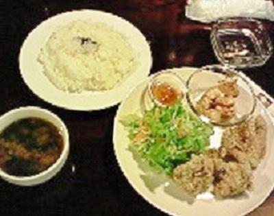楽〜GAKU〜の唐揚げ定食