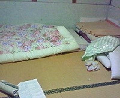 本日の寝場所。布団で寝れるって幸せ。