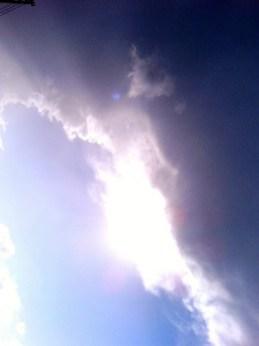 晴天と荒天のはざま。