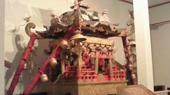 2007/10/26 11:51 義経資料館にて