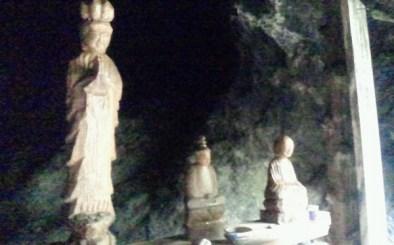2011/ 6/28 10:00 左に仏像
