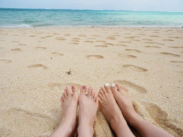 去年の秋、親友と訪れた石垣島の海を思い出して