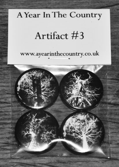 Artifact 3-badge pack bw 1200