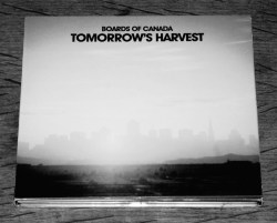 boards-of-canada-tomorrows-harvest-warp-artcard-edition-a-year-in-the-country-1c