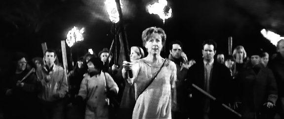 Village of the Damned-John Carpenter-1995-film still 2