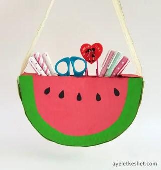 DIY watermelon bag from cardboard - step 7