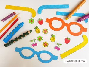 DIY craft paper sunglasses with templates - step 2