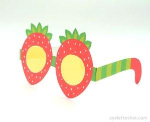 Printable fruit glasses - strawberry