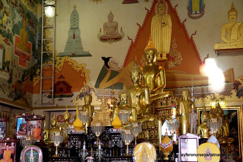 Wat İndharavihan: (Ayakta Buda)