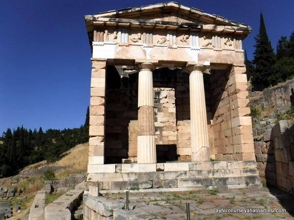 Apollon Tapınağı - Delphi, Yunanistan
