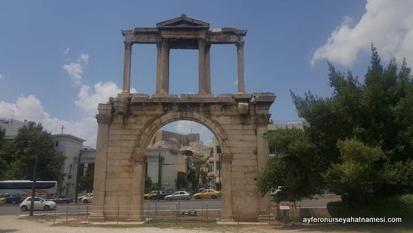 Hadrian's Arch (Hadriyan Kemeri)