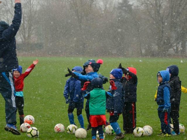 https://i0.wp.com/aylesfordfc.co.uk/wp-content/uploads/Recruitment-Soccer-School-News-min.jpg?resize=640%2C480