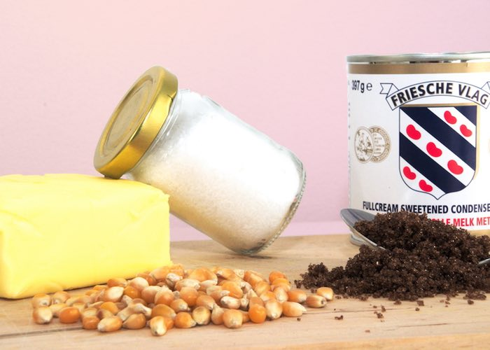 Ingredienten karamel-zeezout popcorn