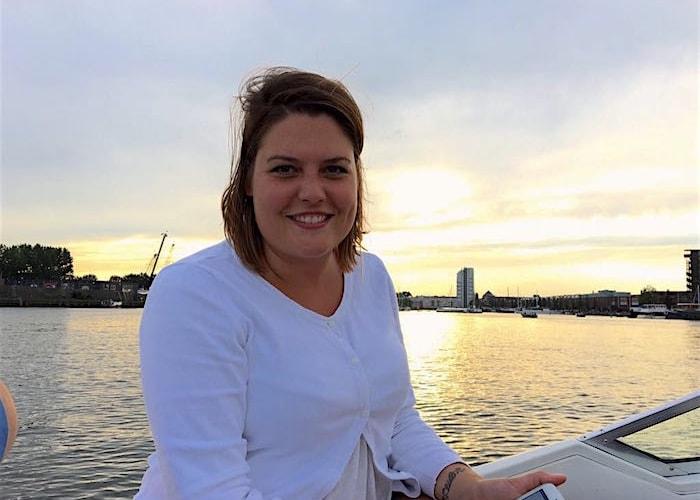 Ayla op de boot