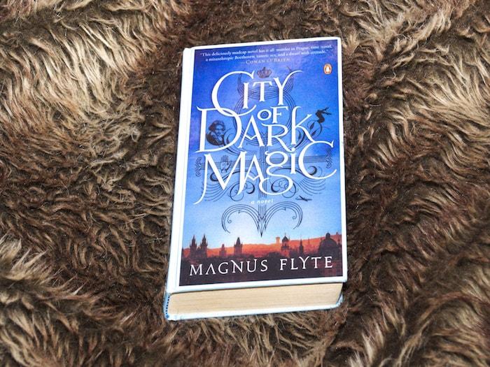 City of Dark Magic Halloween boeken