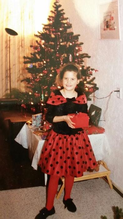 Ayla met kerstcadeaus
