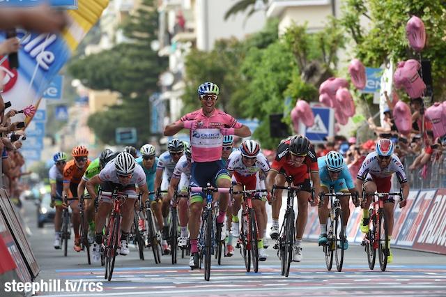 Giro2015_stage3_winner_Orica_GreenEdge_Michael_Matthews