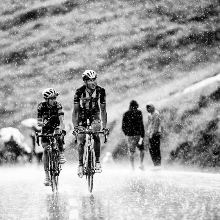 TDF2015_stage12_hard_rain