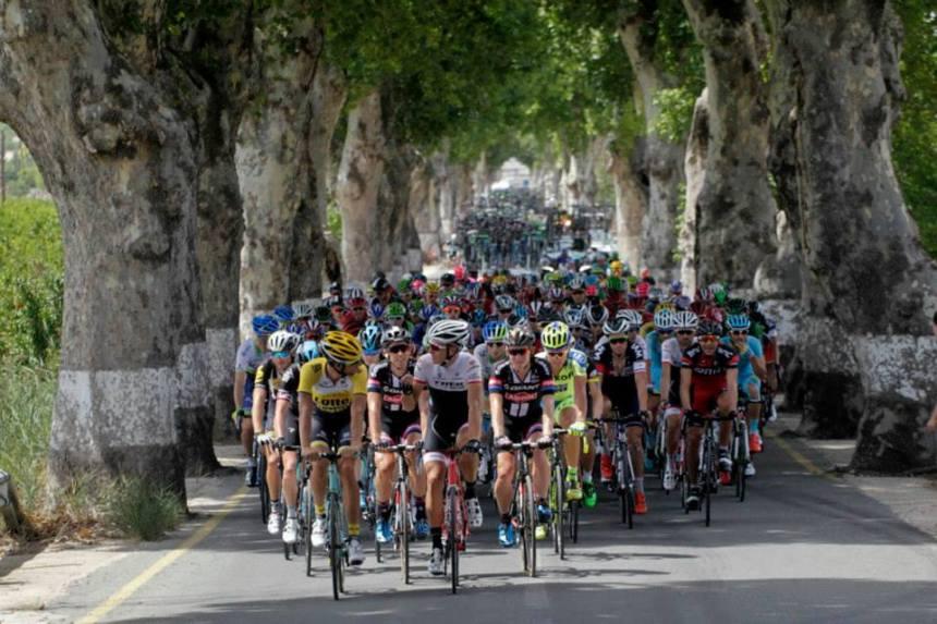 Vuelta2015_Stage8_peloton2