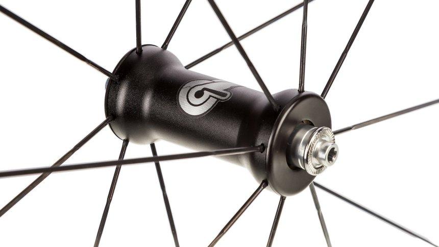 campagnolo-zonda-wheelset-front