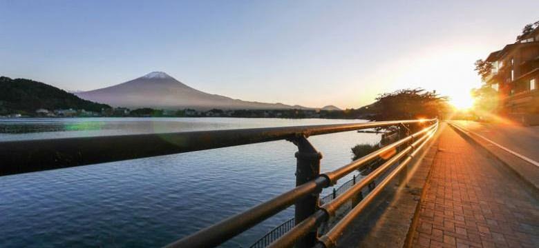 Menikmati Keindahan Danau Kawaguchiko di Jepang Saat Sunset