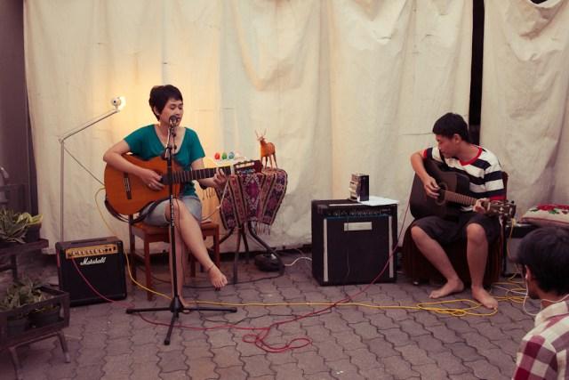 Piknik Akustik - Deasy dan Chris