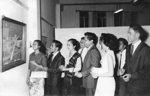Saat meresmikan Gedung PPS Semen Gresik 1965
