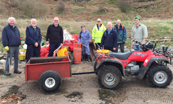 ayr-rotary-at-croy-beach-clean_250