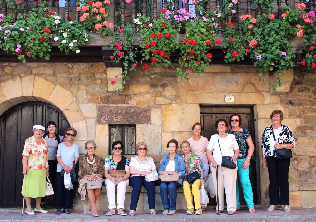 Foto grupal - Excursión a Liérganes taller de memoria