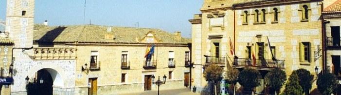 Plaza Ayuntamiento y torre reloj. recortada