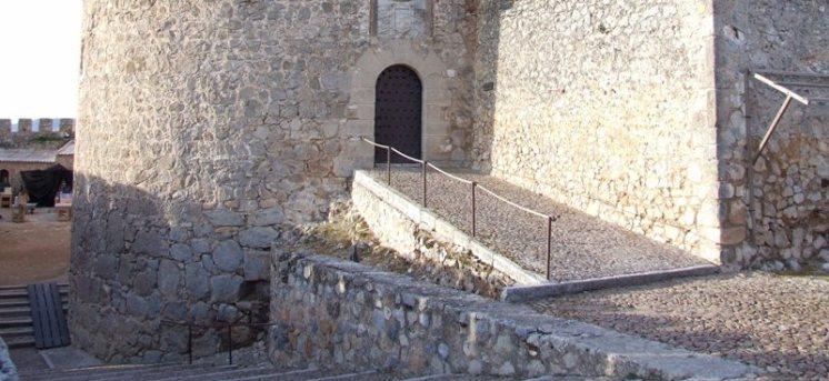 foto2-torreon-de-naciente-castillo-consuegra-rec1.JPG - 149.35 KB