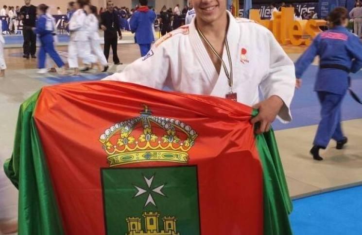 javier-gallego-bandera-consuegra.jpg - 54.98 KB