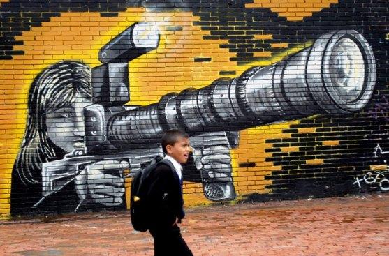 Kota dengan Seni Jalanan Terbaik di Dunia - Seni-Jalanan-Lukisan-Mural-di-Kota-Bogota-di-Kolombia-3
