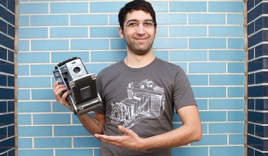Contoh Kaos Dengan Desain Ilustrasi Keren - Desain-Kaos-T-Shirt-Keren-12