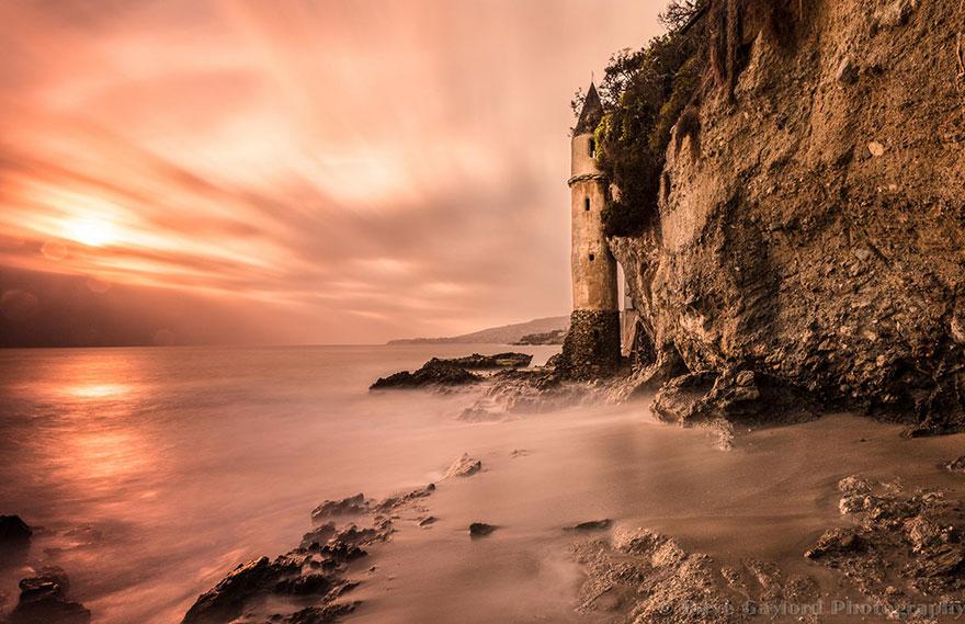 Mercusuar Terindah di Dunia - Gambar Foto Lampu Mercusuar Victoria Beach Lighthouse, California, USA