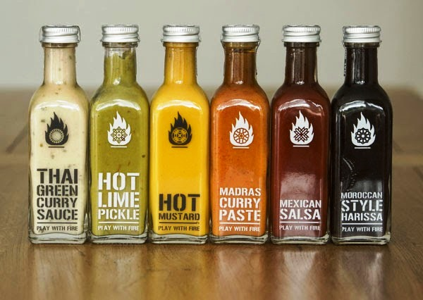 Desain Kemasan Sambal Saus yang Kreatif - Desain Kemasan Makanan Saus Sambal - Play with Fire Packaging oleh Emma Elderkin