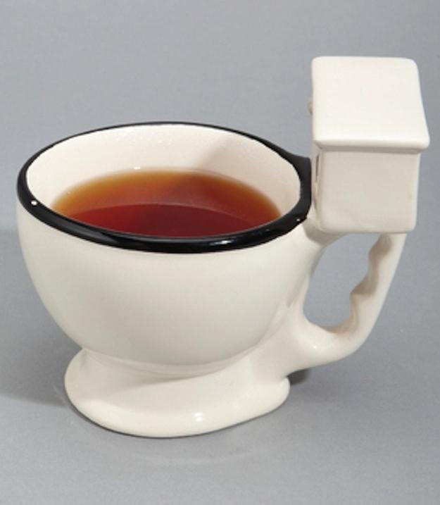 25 Mug Desain Keren untuk Para Maniak - Mug Desain Keren - Mug bentuk toilet