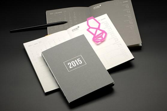 Contoh Buku Agenda Desain Cantik untuk Corporate - Desain-Buku-Agenda-ANNUAL-CALENDAR-2015-1
