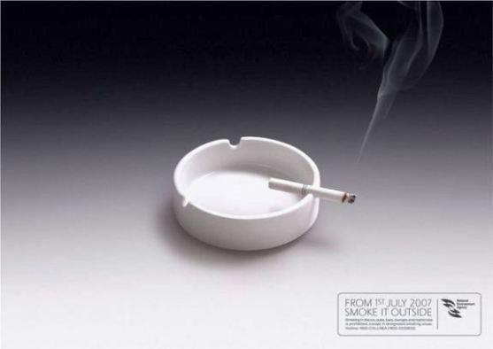Contoh Format Iklan Advertising dengan Desain Minimalis - Contoh-23-Desain-Iklan-Minimalis-National-Environment-Agency-Singapore-Smoke-it-outside