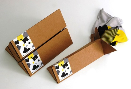 Desain Kemasan Packaging Kaos T Shirt Kreatif Bagus - Kemasan-T-Shirt-Lipatan-Karton-Kardus