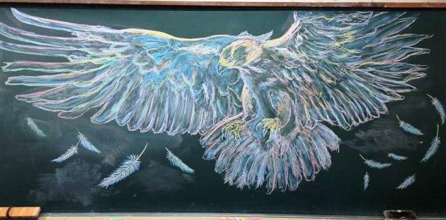 Lukisan Papan Tulis Luar Biasa Indah oleh Siswa Jepang